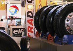 Wenn die Räder wieder rollen. — Eine Kooperative übernimmt ein Reifenwerk